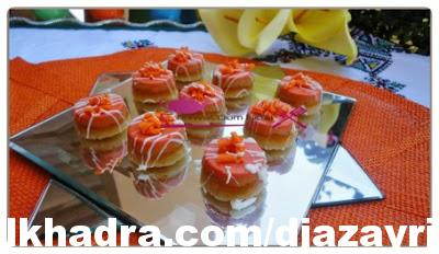جديد حلويات جزائرية ; حلوى عصرية باللوز و عجين الفواكه