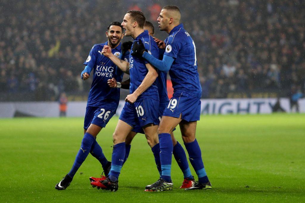 Premier League : emmené par un trio Vardy-Mahrez-Slimani de feu, Leicester City gifle Manchester City ! 2