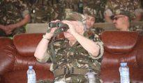 Gaïd Salah supervise à Bechar le lancement d'un exercice tactique combiné à tirs réels 41