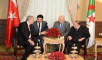 Bouteflika s'entretient avec Erdogan 19