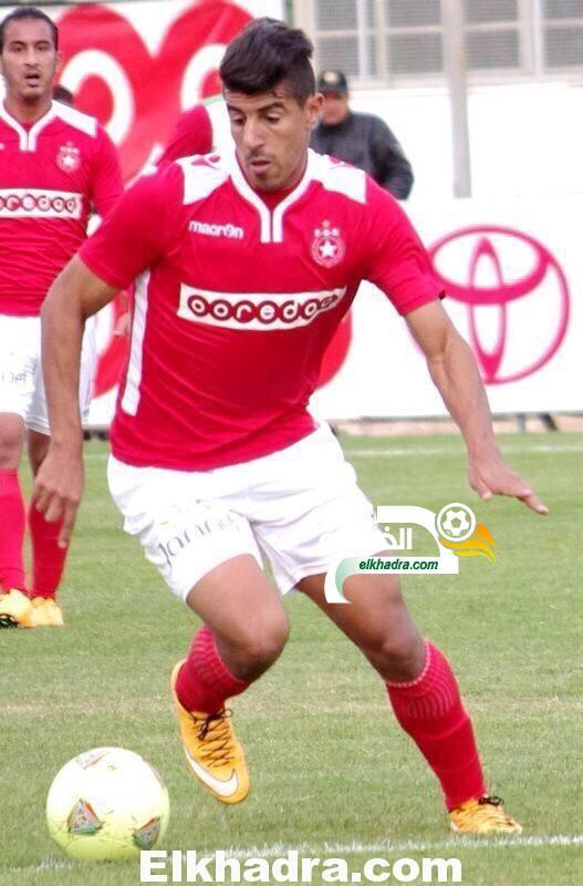 بونجاح يسجل هدفين ضد الرجاء البيضاوي ويقود النجم الساحلي إلى دوري المجموعات كأس الكاف 28
