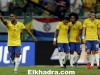 Douglas Costa (L) of Brazil celebrates a goal against Peru next to his teammates during their 2018 World Cup qualifying soccer match in Salvador, Brazil, November 17, 2015. REUTERS/Ueslei Marcelino