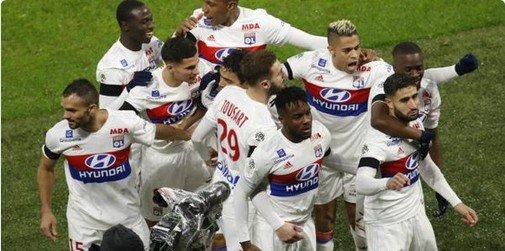ليون يحقق فوزاً مثيراً على سان جيرمان في قمة الدوري الفرنسي 85