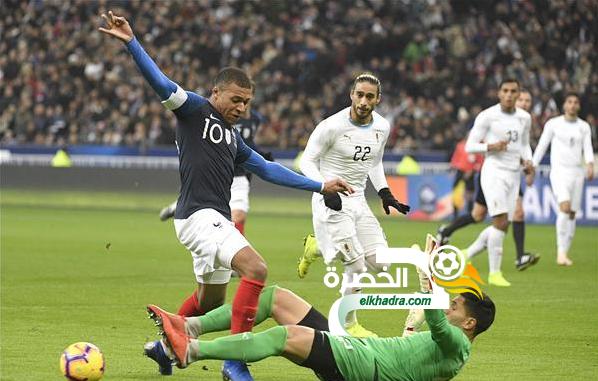 فرنسا تفوز أمام أوروجواي بهدف دون رد 24