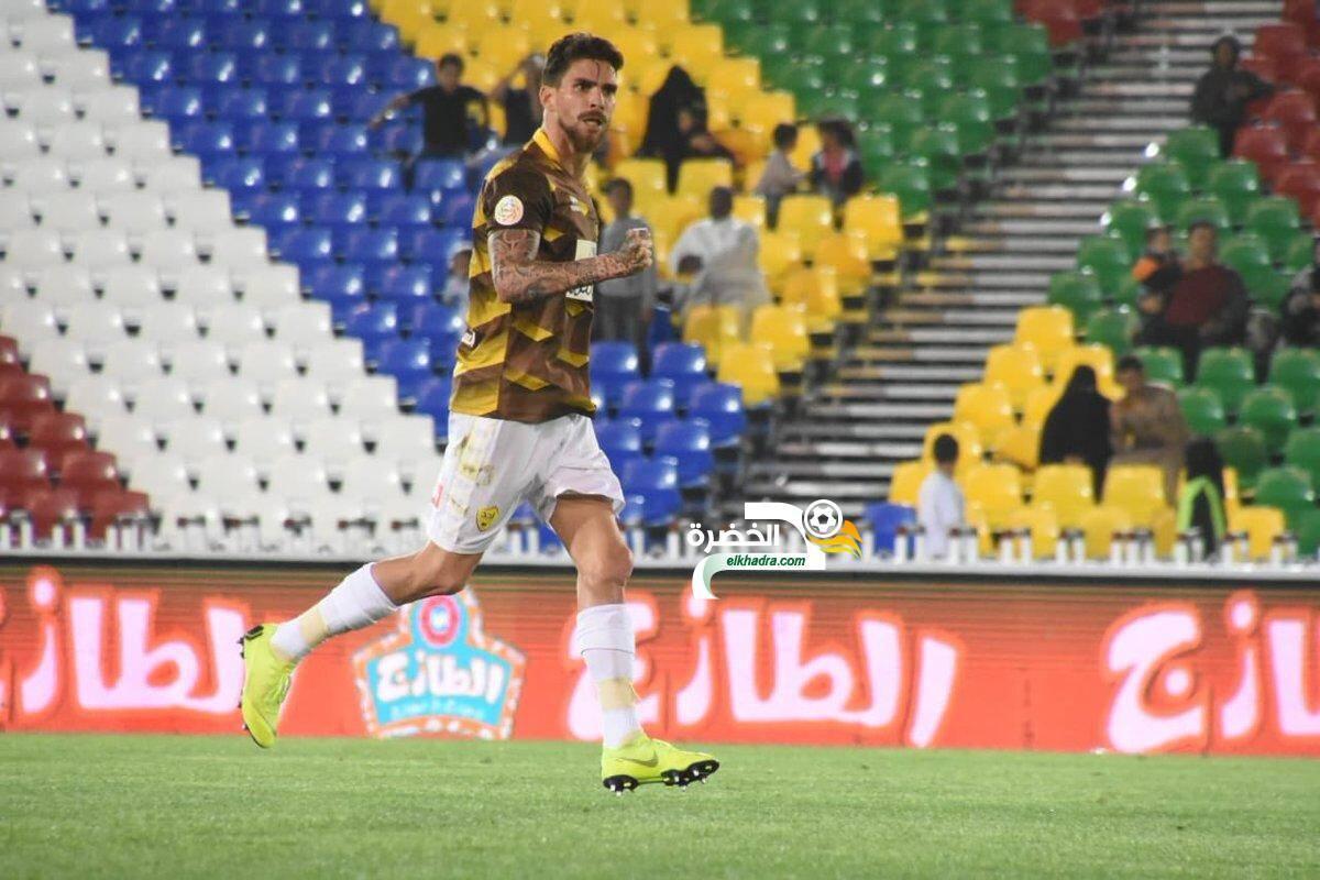 اول اهداف كارل مجاني في الدوري السعودي ضد مبولحي 24