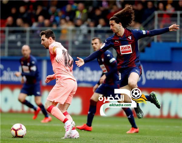 برشلونة بطل الدوري الإسباني يختتم الموسم بالتعادل أمام إيبار 31