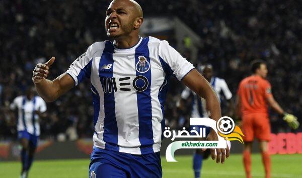 براهيمي يصل الدوحة لإتمام مفاوضات انضمامه لنادي الريان 24