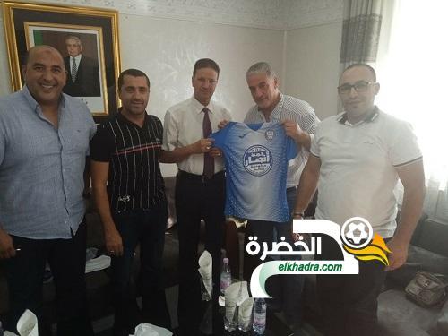 فالنسيا الإسباني ينشئ أكاديمية كرة القدم في الجزائر 23
