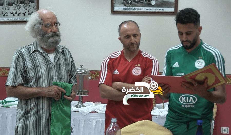 لاعب منتخب جبهة التحرير محمد معوش يزور لاعبي المنتخب الوطني 1