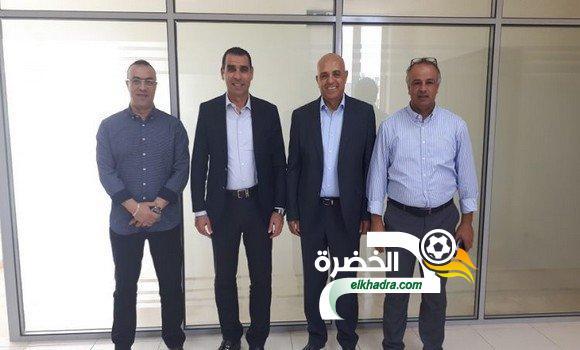 """الفيفا تتعهد ب""""دعم مشاريع تطوير"""" كرة القدم بالجزائر 24"""