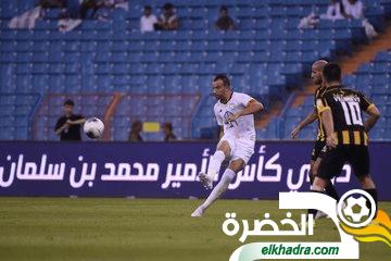 بن العمري اساسي و يتسبب في خسارة فريقه الشباب أمام الإتحاد 24
