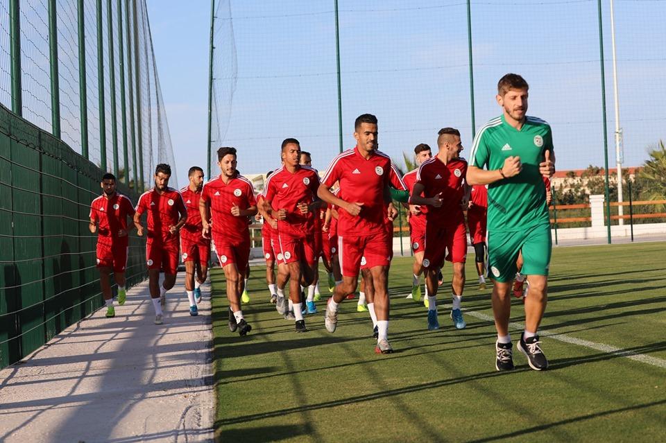 بالصور .. المنتخب الجزائري المحلي يجري أول حصة تدريبية بالمغرب 27