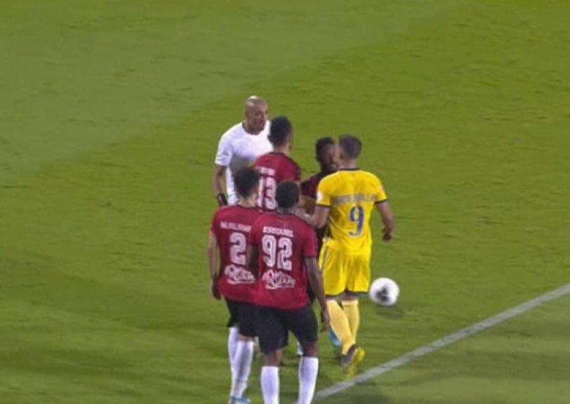 عز الدين دوخة يتسبب في أزمة خلال مباراة فريقه الرائد مع النصر 86