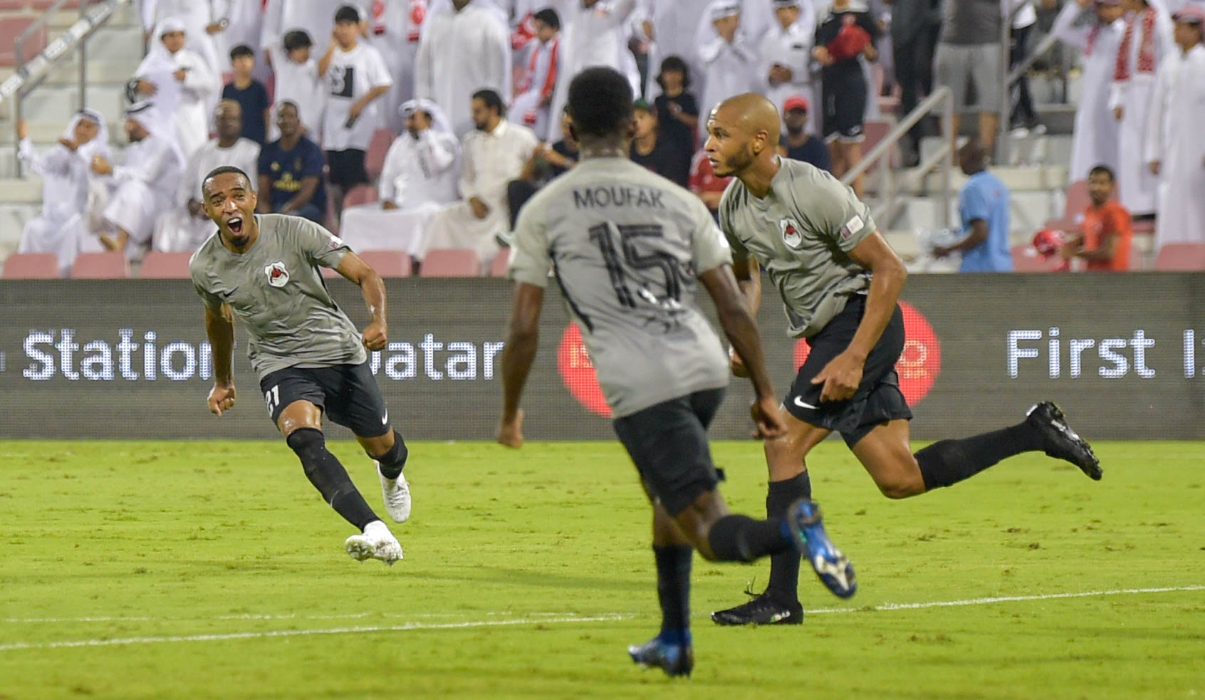 ياسين براهيمي افضل لاعب لشهر أكتوبر بالدوري القطري 24