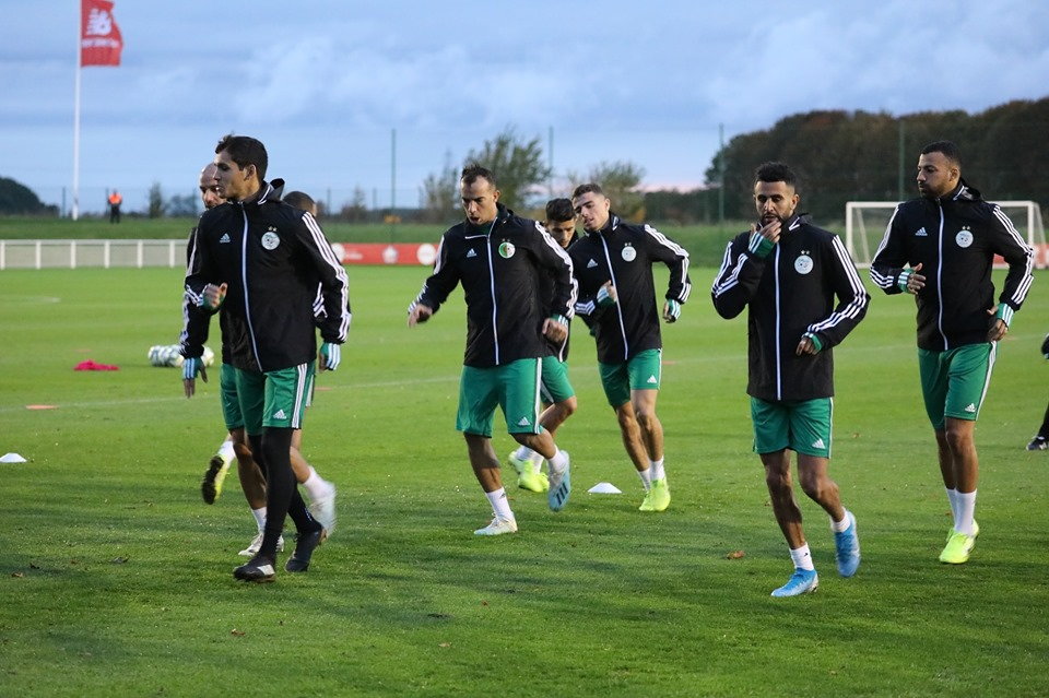 بالصور: المنتخب الوطني يجري حصة تدريبية قبل مواجهة كولومبيا 31