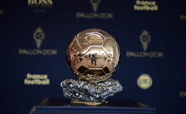 """مجلة """"فرانس فوتبول"""" تعلن أسماء المرشحين لجائزة الكرة الذهبية 22"""