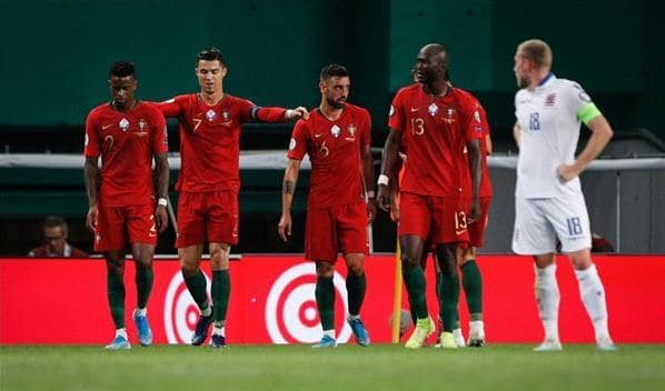 رونالدو يقود منتخب البرتغال للفوز على لوكسمبورج بثلاثية نظيفة 24