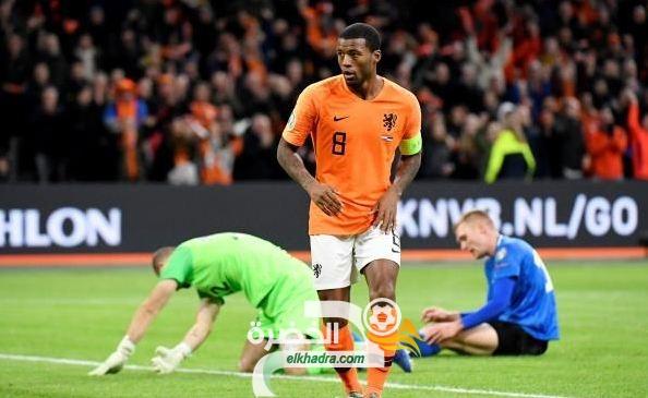 منتخب هولندا يسحق إستونيا بخمسة أهداف نظيفة 26
