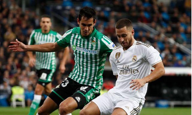 عيسي ماندي يزين قائمة ريال بيتيس لموقعة ريال مدريد 7