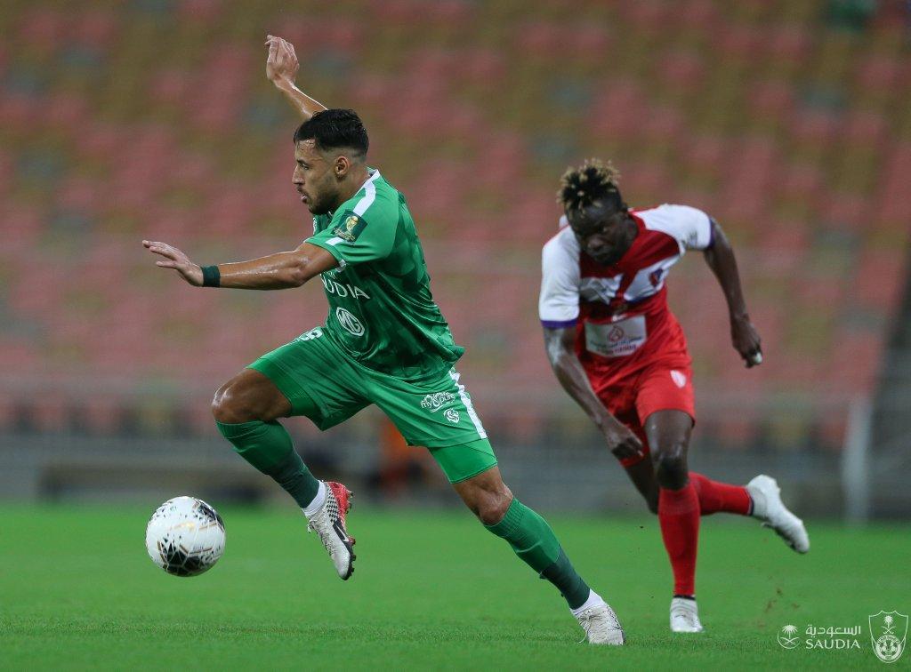 يوسف بلايلي يسجل أول أهدافه مع الأهلي السعودي 34