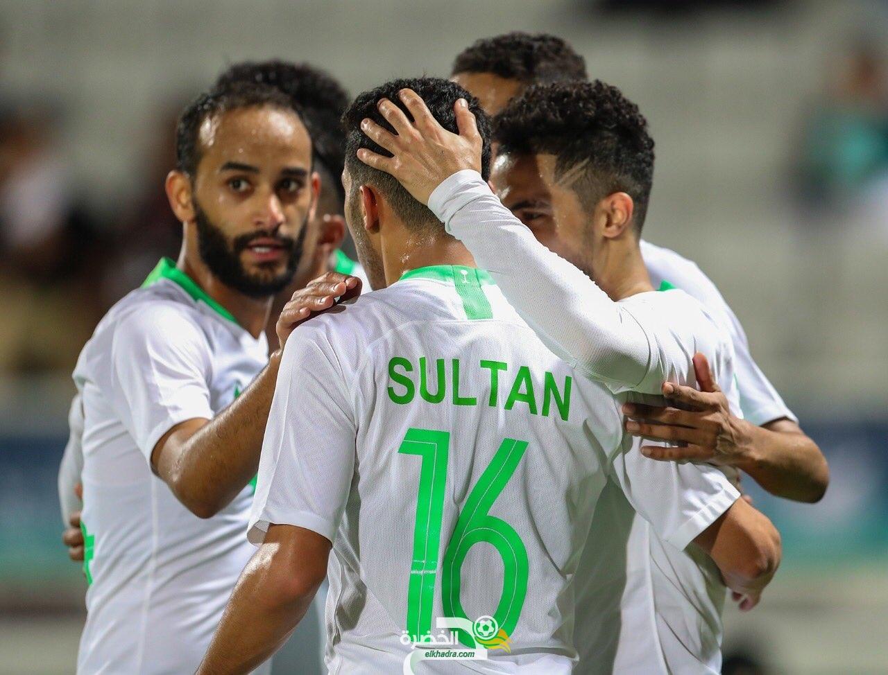 منتخب السعودية يتخطى عمان بثلاثية لهدف في خليجي 24 24