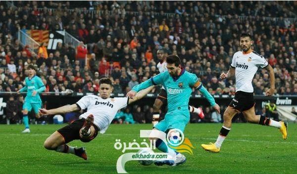 فالنسيا يتعملق على برشلونة ويهدي ريال مدريد فرصة الانفراد بصدارة الليغا! 26