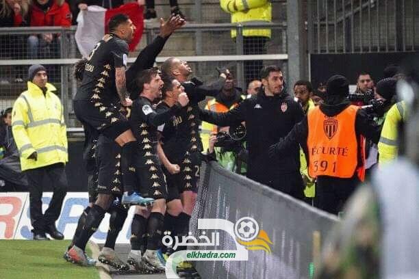 """لاعبو موناكو يرددون """"وان ، تو ، تري فيفا لاليجري"""" إحتفالا بالفوز وهدف بسليماني. 28"""