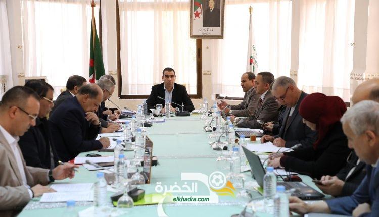 المكتب التنفيدي للفاف يؤجل حسم مصير الدوري الجزائري 31