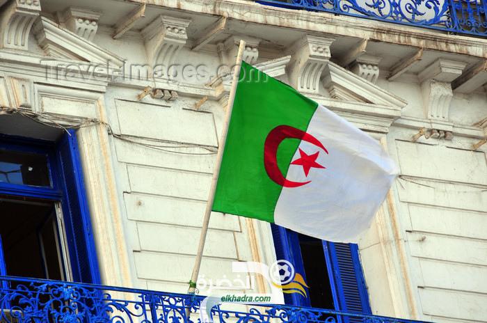 مبادرة لرفع العلم الجزائري على كل الشرفات 24