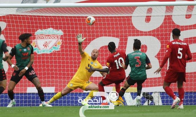 ليفربول يحقق فوزاً صعباً على ضيفه استون فيلا 26