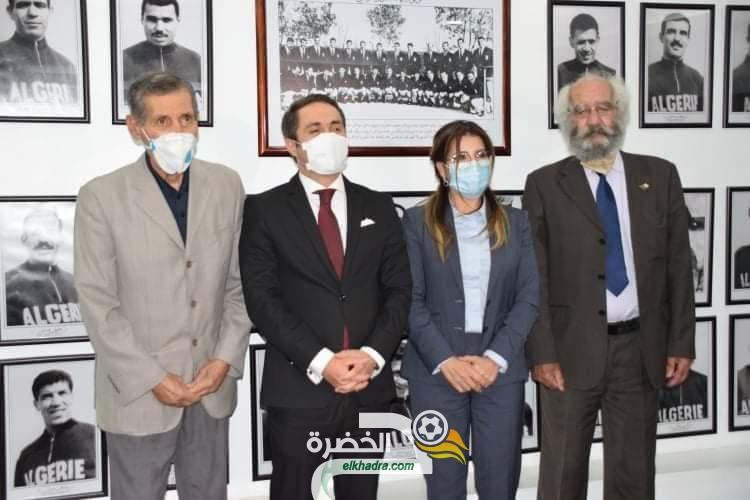 بالصور .. تعليق صور أعضاء فريق جبهة التحرير الوطني لاول مرة بمقر وزارة الشباب و الرياضة 26