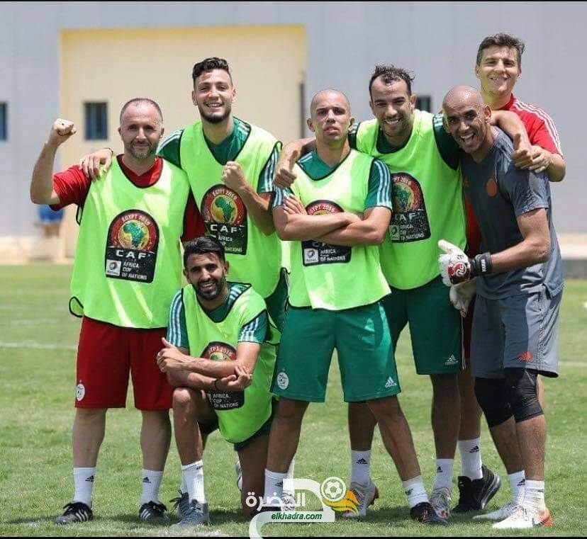 """محرز : """"المنتخب الجزائري أكثر من فريق، إنها عائلة"""" 34"""