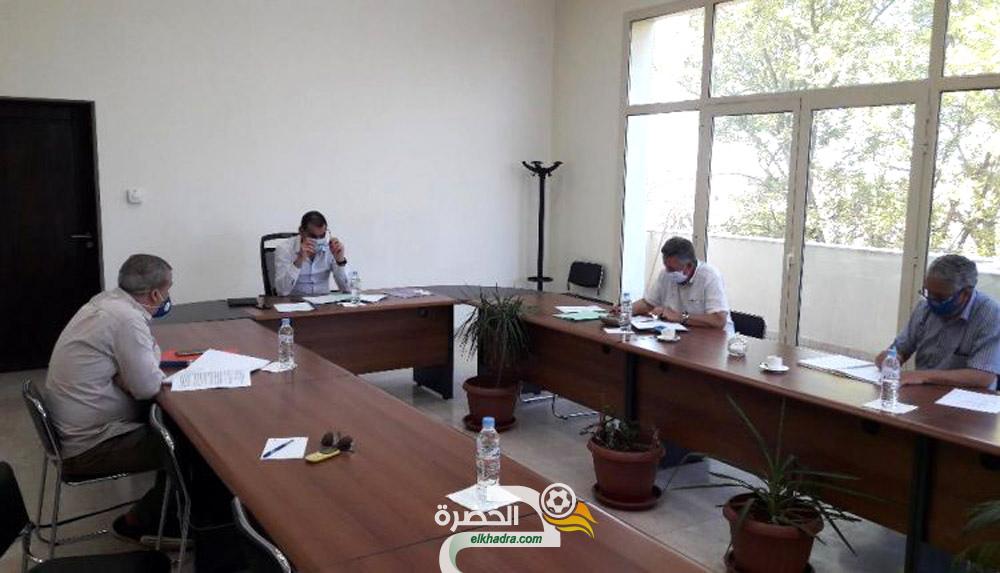 اللجنة الطبية للفاف تدعو الاندية الجزائرية إلى إعداد ملفاتها الصحية 24