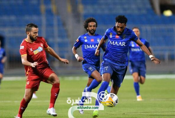 الدوري السعودي : الهلال يفوز على ضيفه ضمك بهدفين من دون رد 23