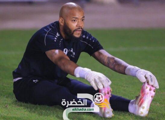 مبولحي يتجاوز فحص كورونا وينتظم في تدريبات الاتفاق السعودي 43