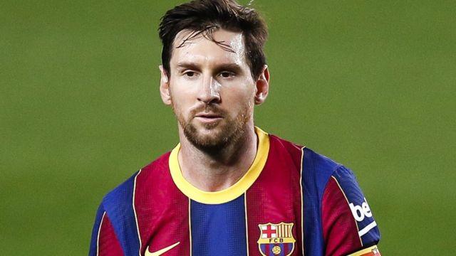 """ليونيل ميسي : """"أعلم أن برشلونة يمر بوقت عصيب لكني أتطلع لحصد الألقاب"""" 33"""