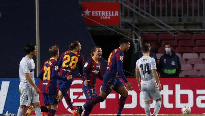 برشلونة يتعثر أمام فالنسيا على الكامب نو 35