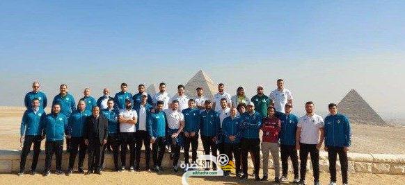 بعثة منتخب الجزائر لكرة اليد في زيارة للأهرامات المصرية 23