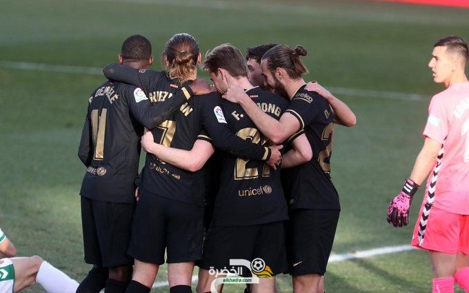 برشلونة يفوز على إلتشي بثنائية 28