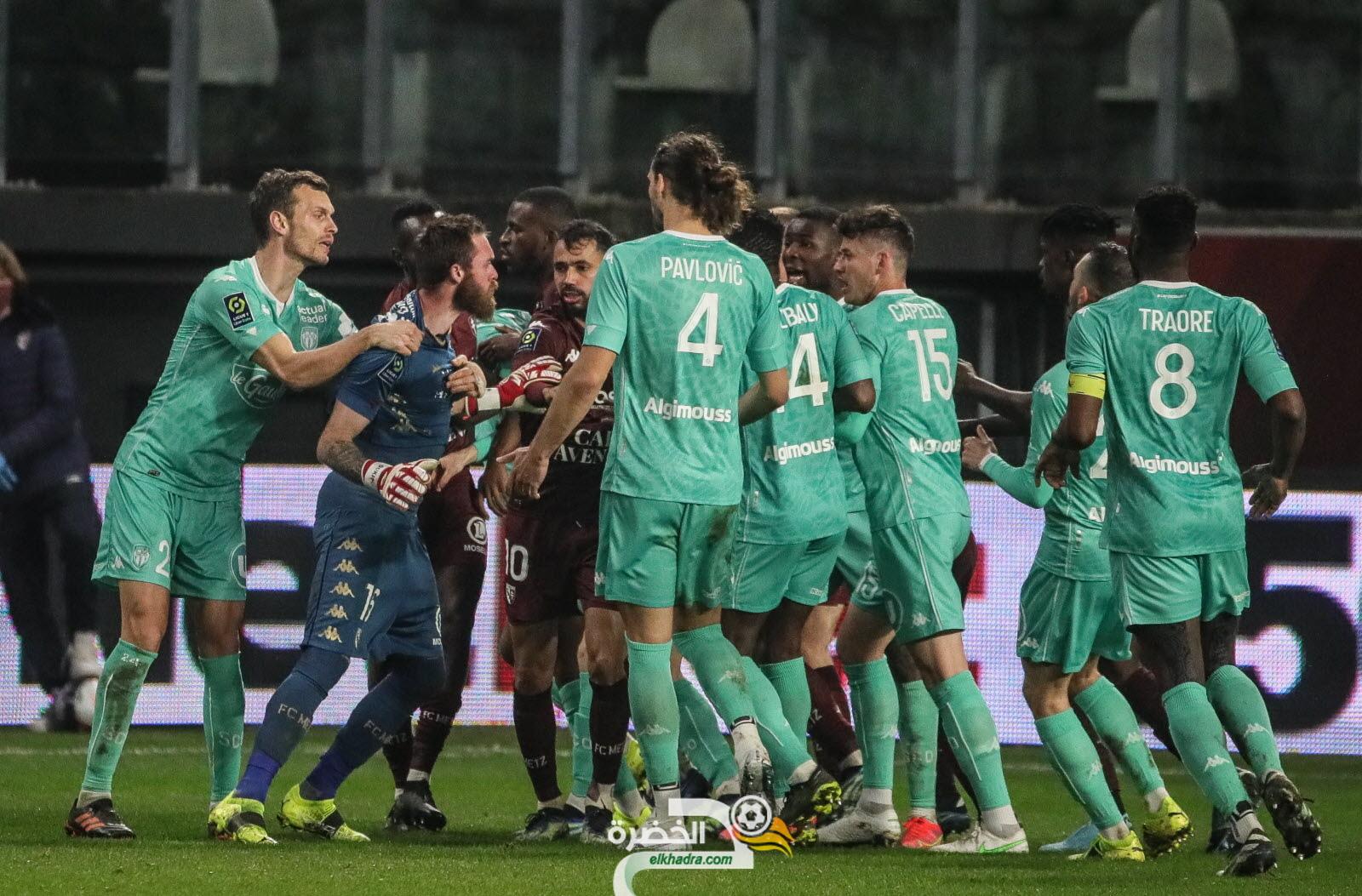 الاتحاد الفرنسي يعاقب الحارس الجزائري اوكجدة بخمس مباريات 48