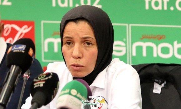 مدربة المنتخب الوطني الجزائري النسوي لكرة القدم تعاين تشكيلة موسعة من 34 لاعبة 26