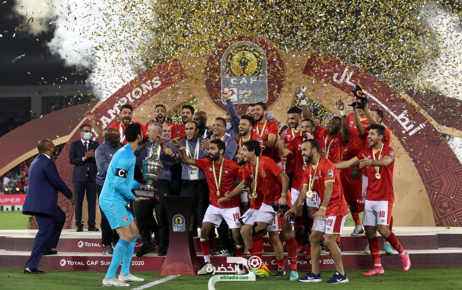 الأهلي المصري يتوج بلقب كأس السوبر الإفريقية 1