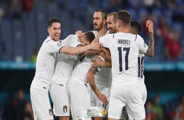 إيموبيلي يقود الطليان للإنتصار الأول في كأس أمم أوروبا 8